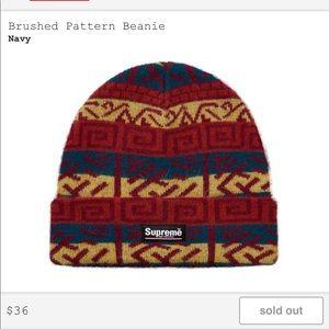 Supreme brushed pattern beanie